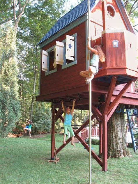 boys piss treehouse window jpg 480x640
